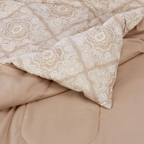 12. AmazonBasics Comforter Set